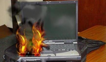 горит ноутбук