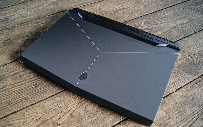 ДизайнAlienware 17 R4