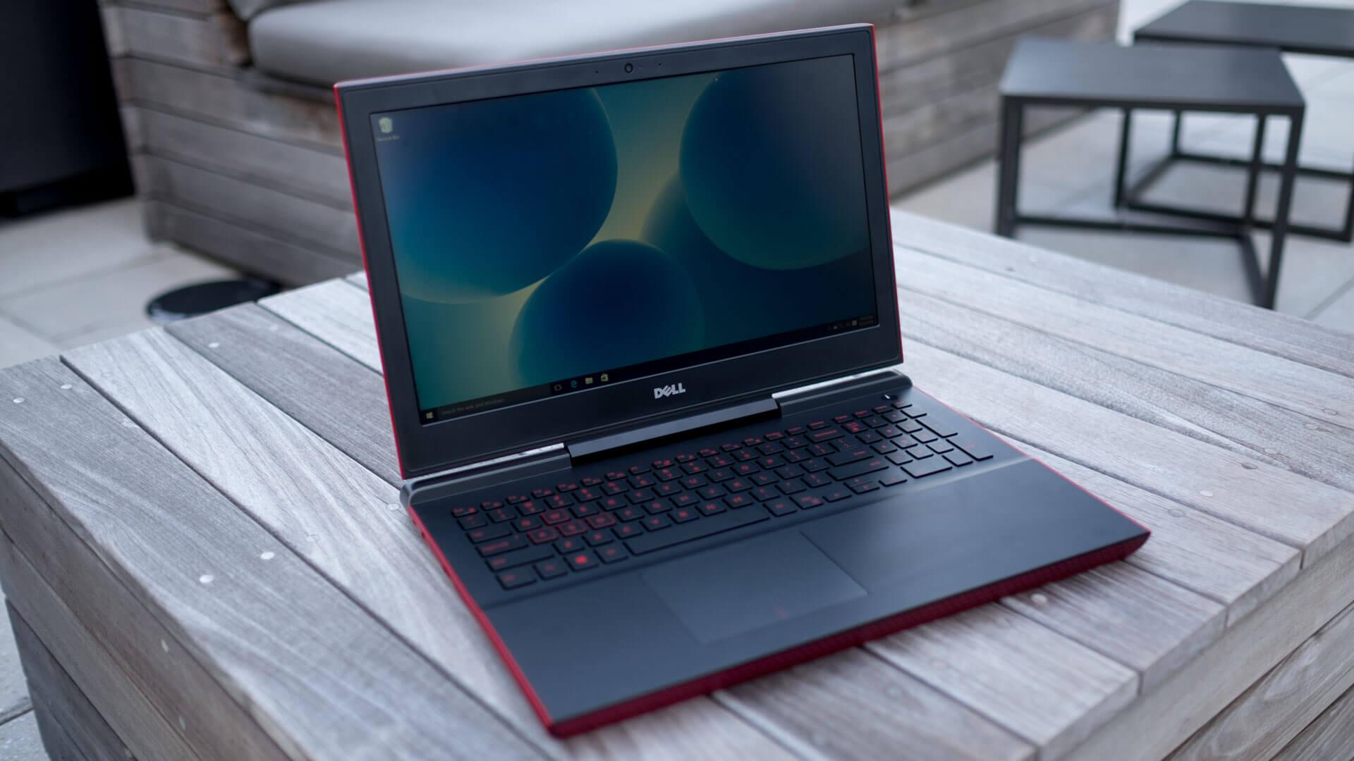 Внешний вид Dell Inspiron 15 7000 Gaming