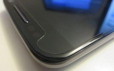 Отклеивается защитное стекло на телефоне